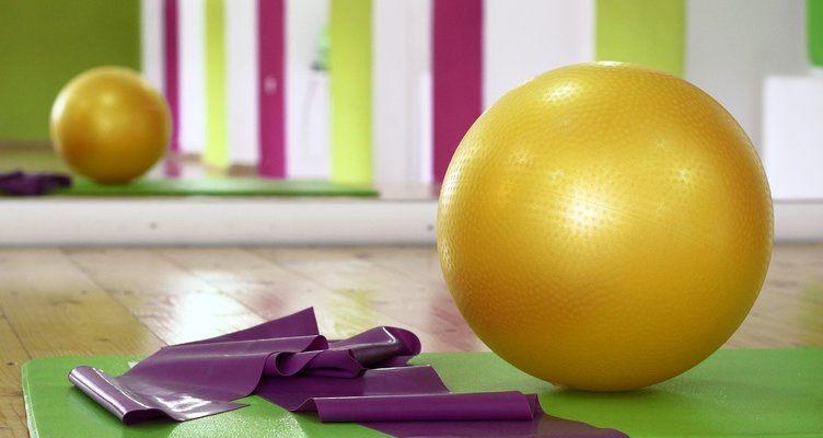 Йога с топка, като аксесоар за йога практики